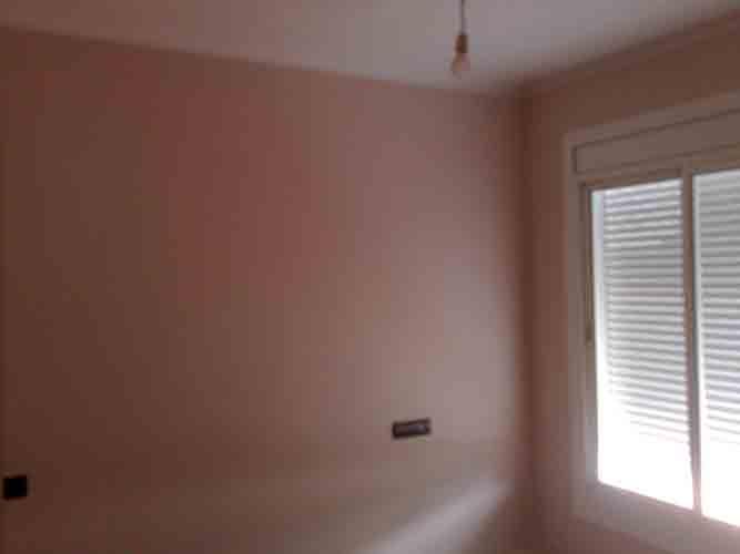 en esta habitacin de matrimonio la hemos pintado con tono rosaceo claro con pintura ecolgiaes un poco ms cara pero hay personas que lo prefieren as